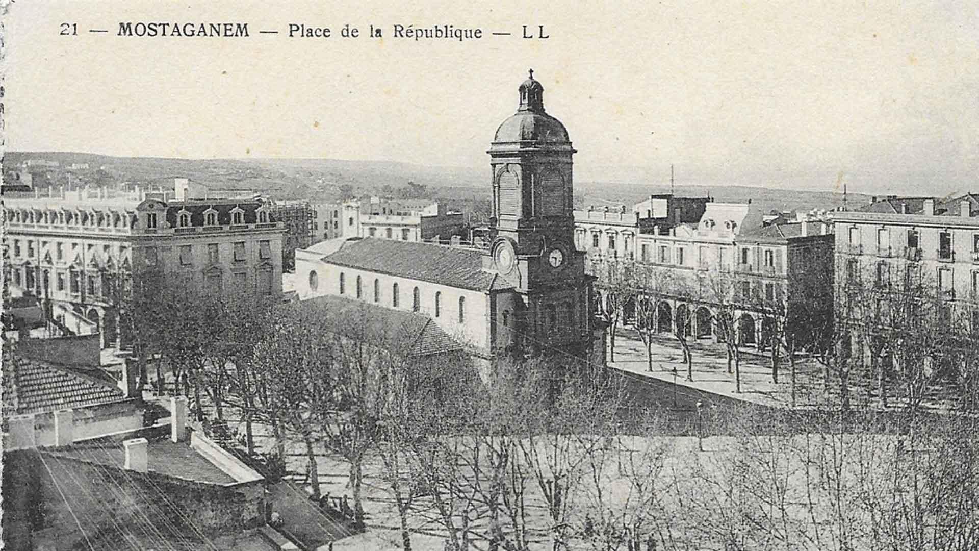 Mostaganem-Place-Republique